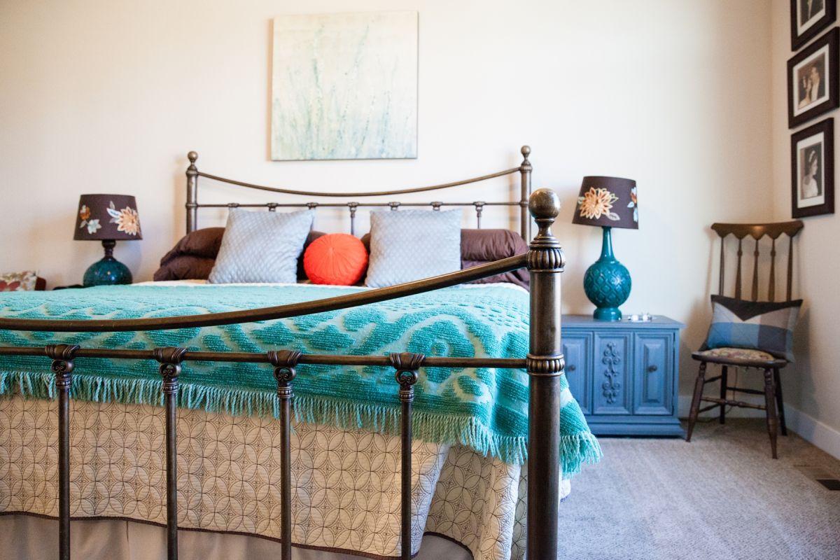Metallic bed frame for master bedroom