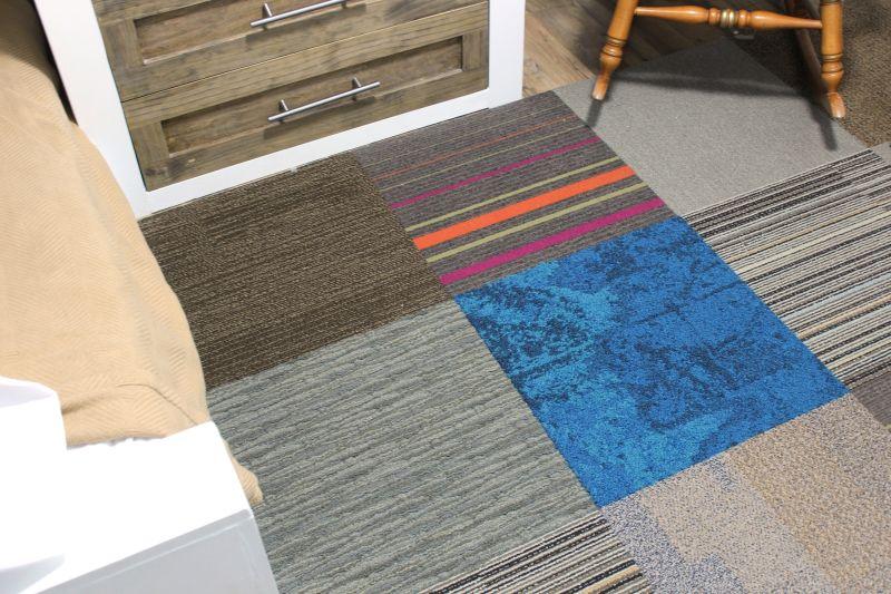 Modular guest bedroom for kids floor tiles
