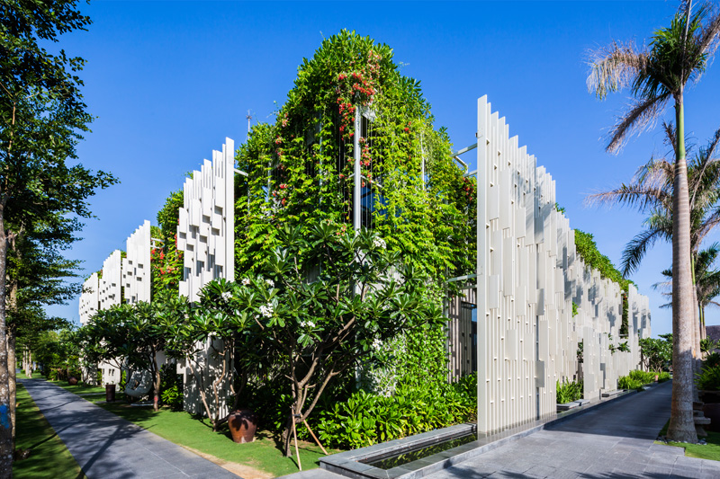 New Resort Spa Is Covered In Hanging Gardens