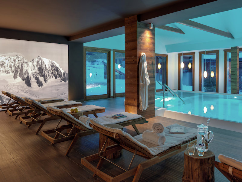 Nira Montana Hotel-Pool-Lounge