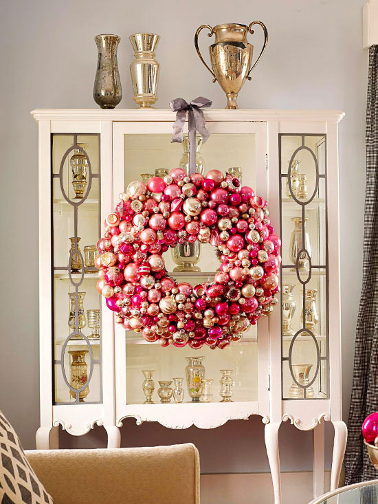 Rose quartz ornament wreath