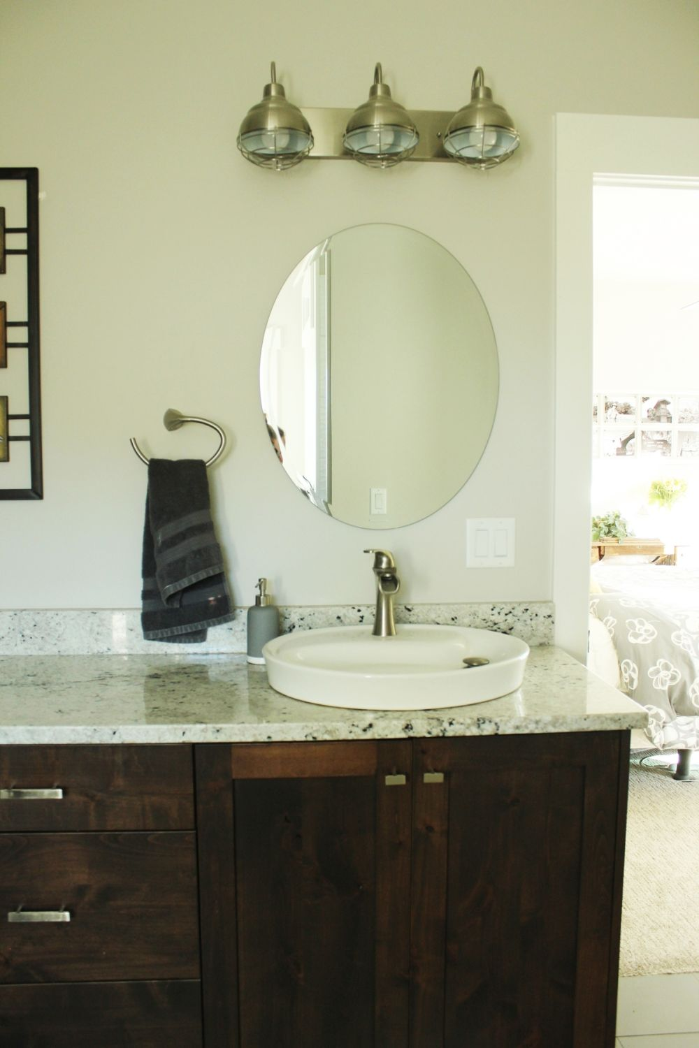 Round mirror for the master bathroom