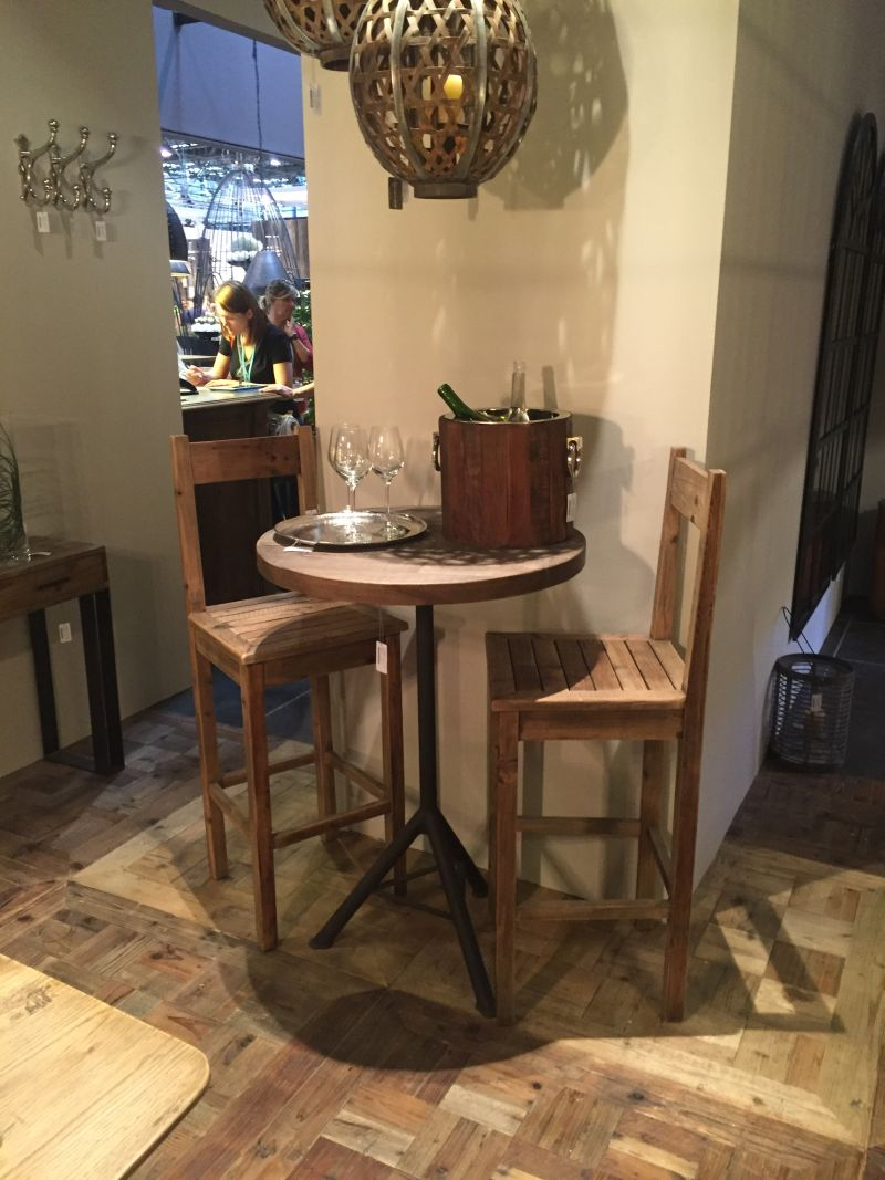 Round Tall Table With Chairs