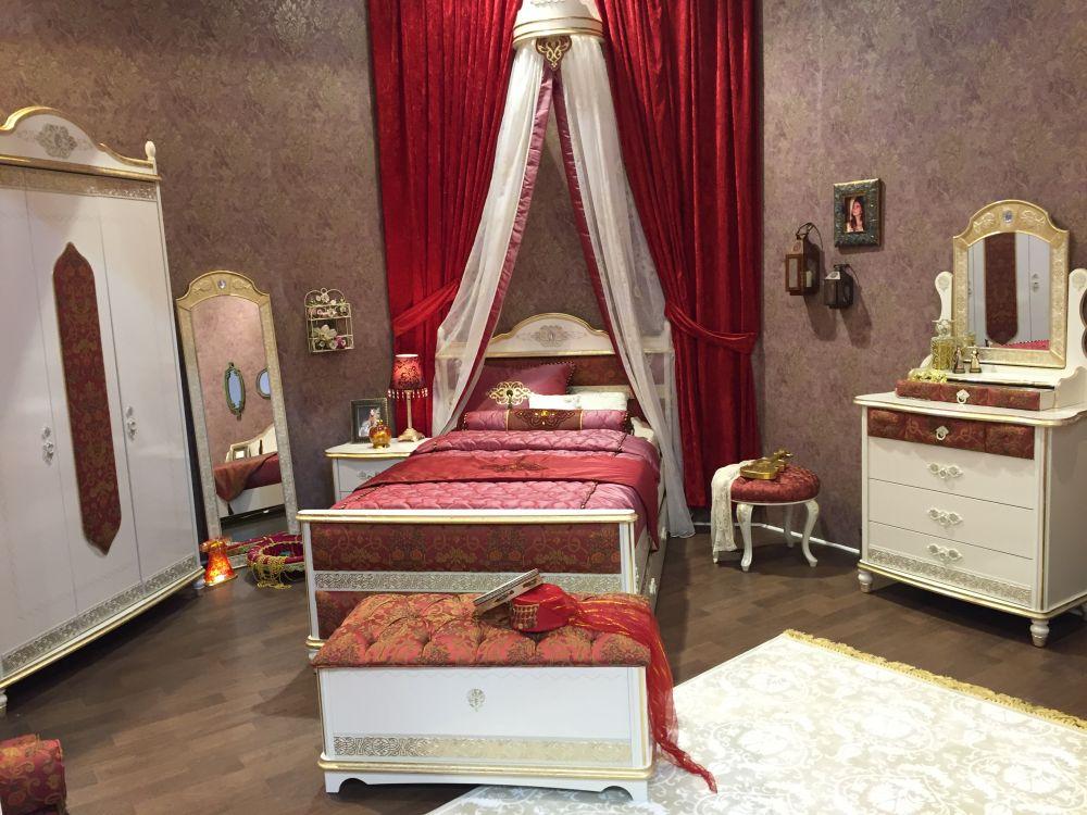 Royal rest themed luxury girl bedroom