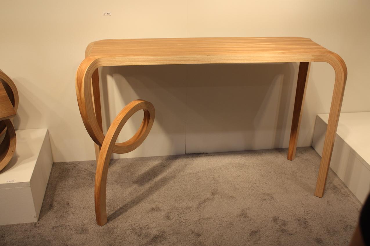 Salto table from Kino Guerin