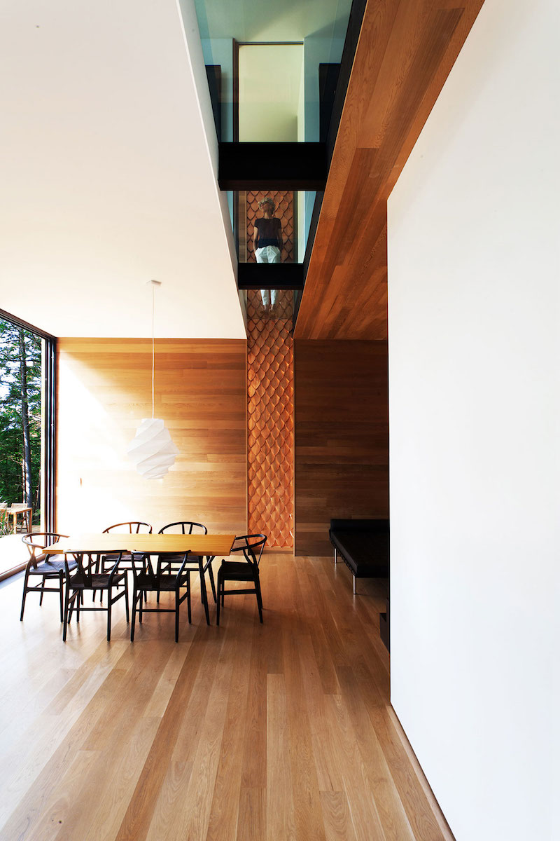 Sculptural tower house dining area