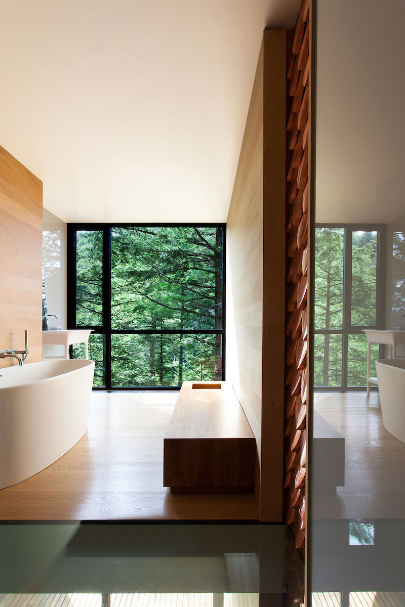 Sculptural tower house open bathroom
