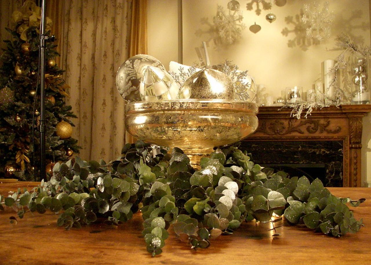 Silver chic Christmas Table Decor