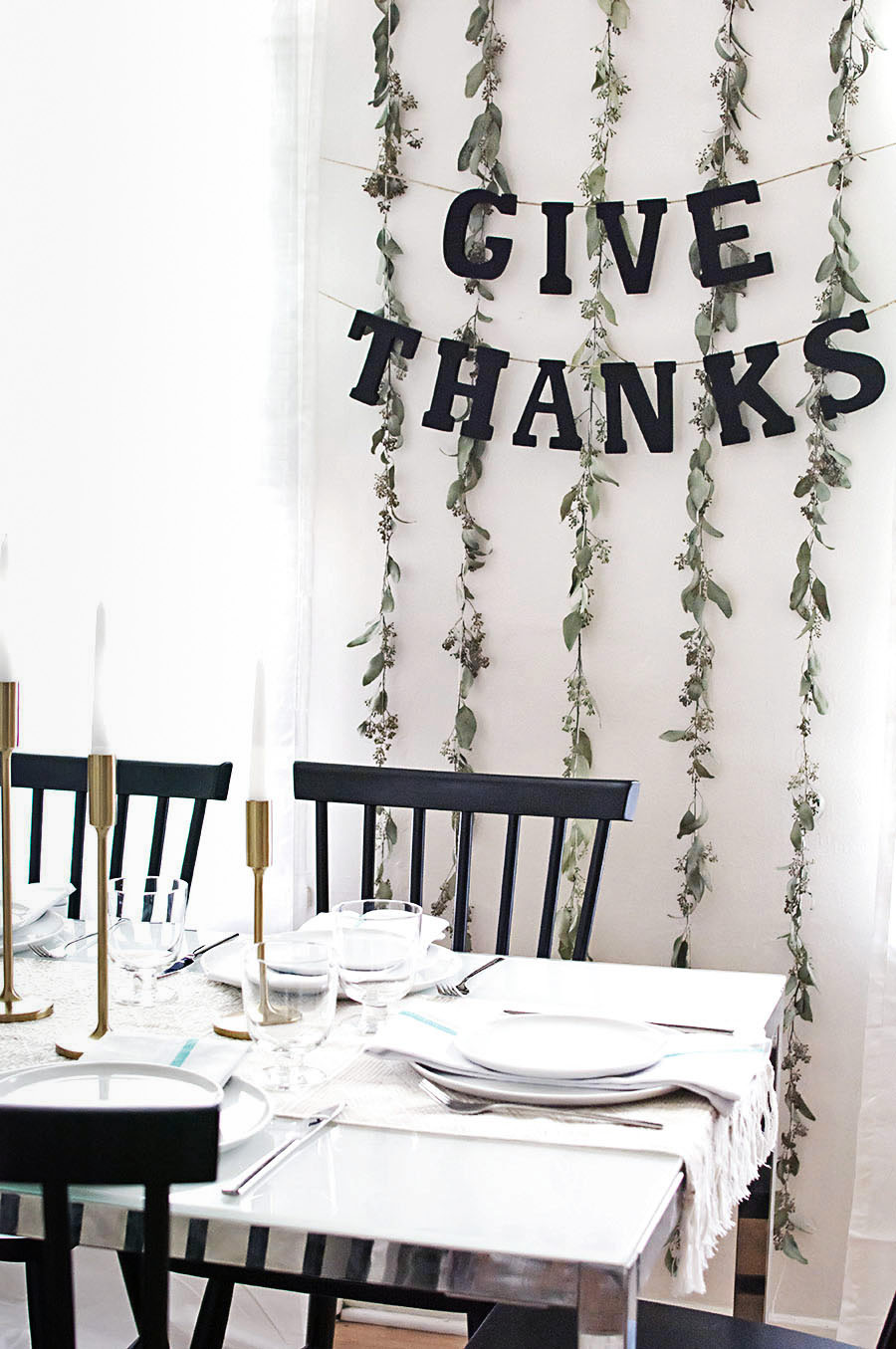 Simple Give Thanks Banner DIY