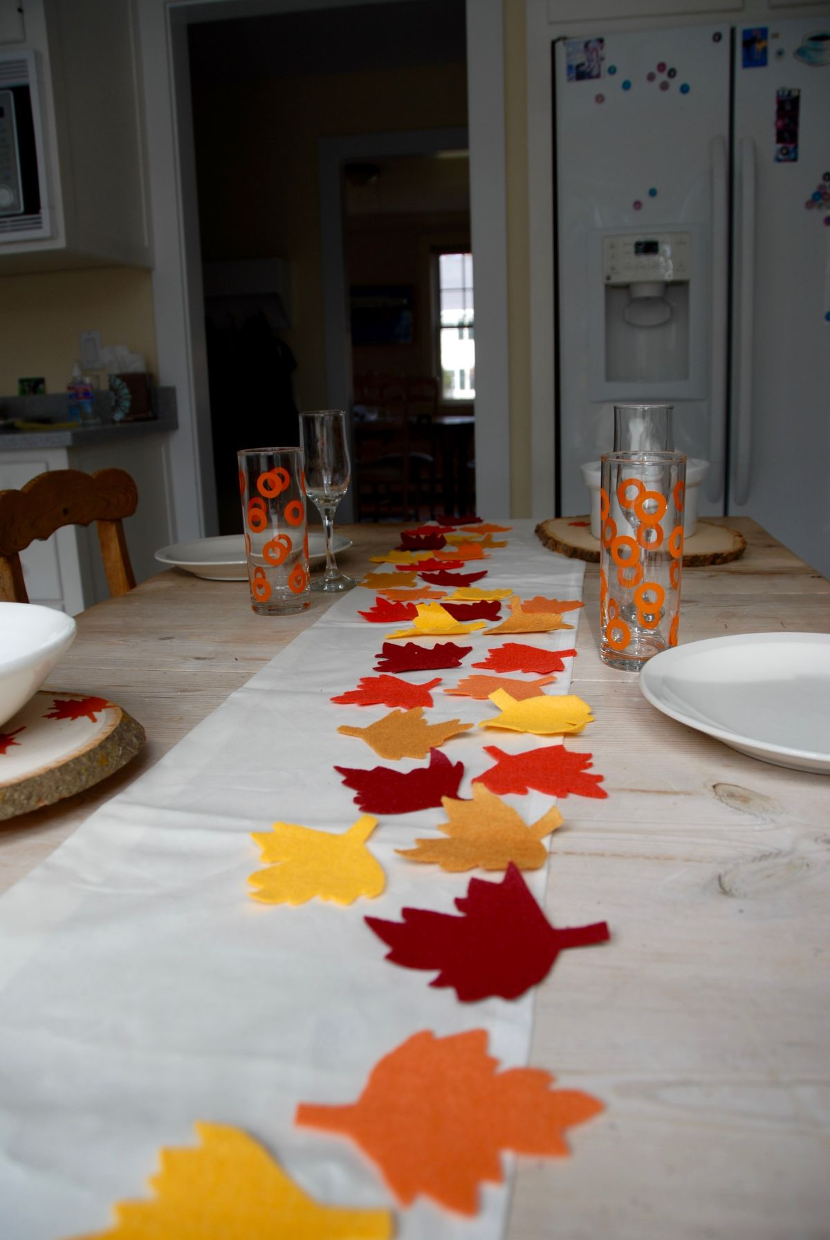 Thanksgiving table runner and placemats Spread