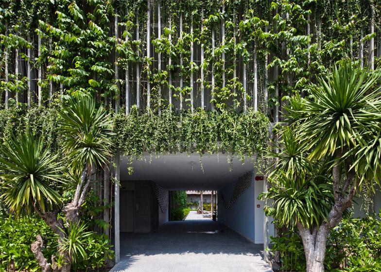 Vo Trong Nghia Architects Naman Retreat Entrance