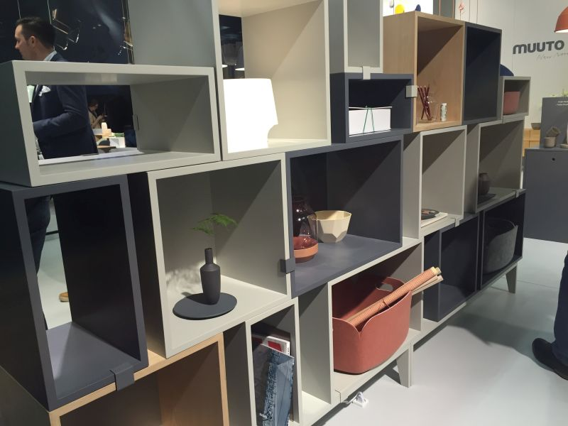 Wall divider with cube shelves