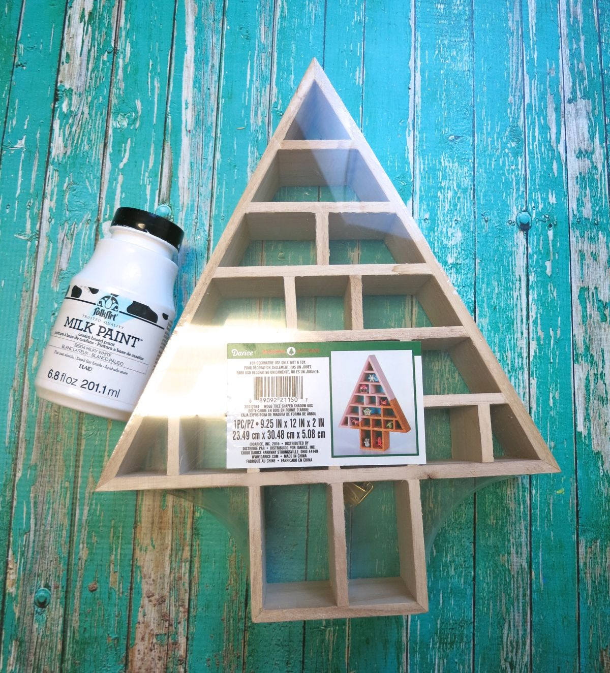 Woodlands Themed Decorative Christmas Materials