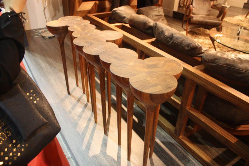 esgrimas side table
