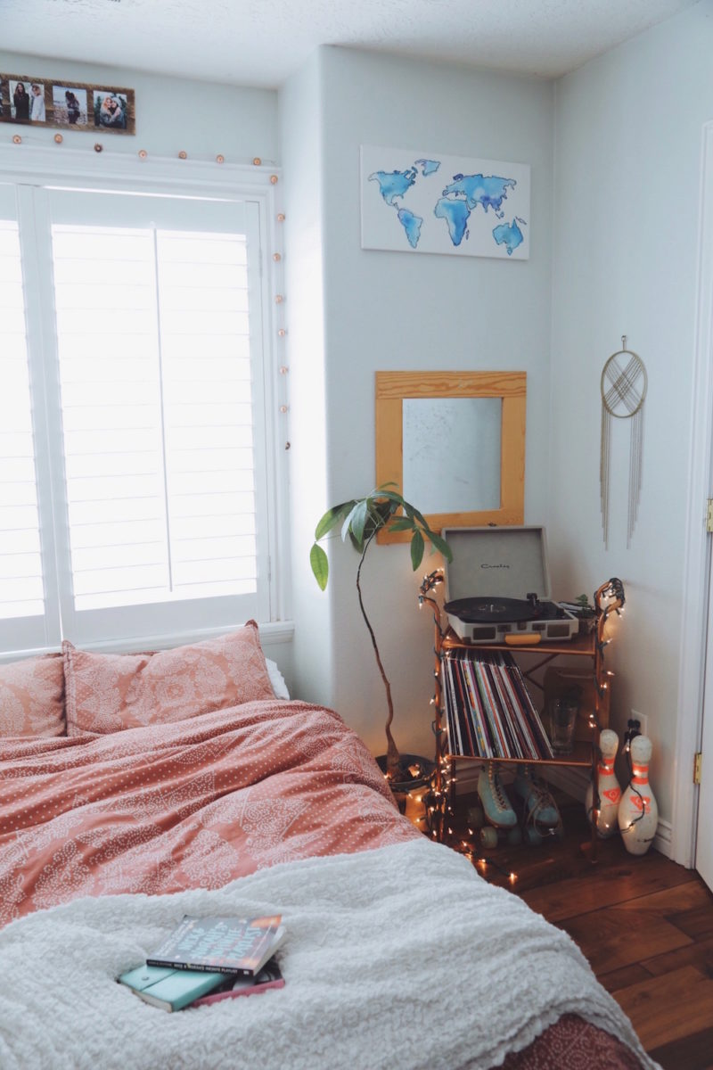 Boho bedroom turn table