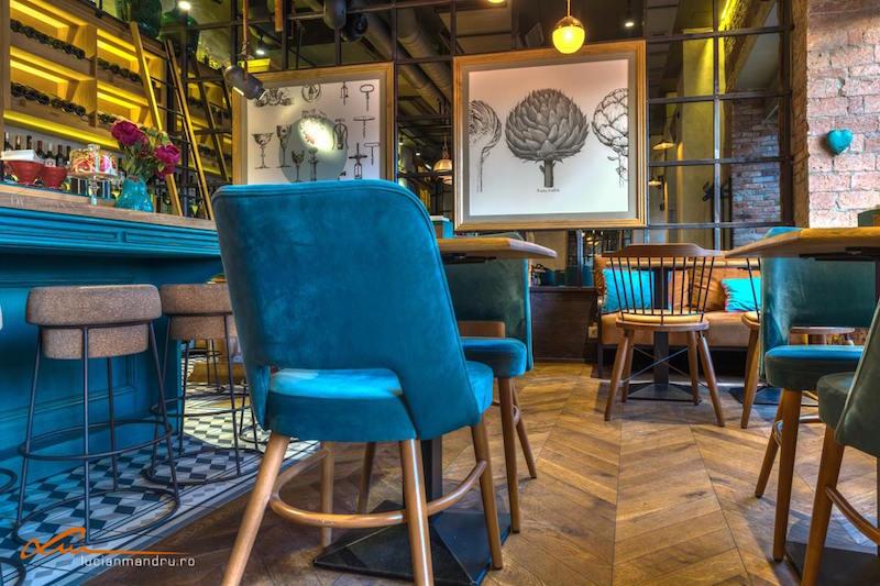 Bujole restaurant parquet floor