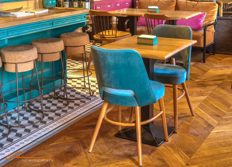 Bujole restaurant turquoise chairs