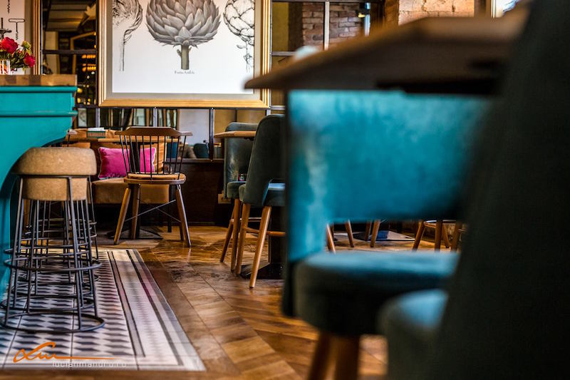 Bujole restaurant wooden flooring