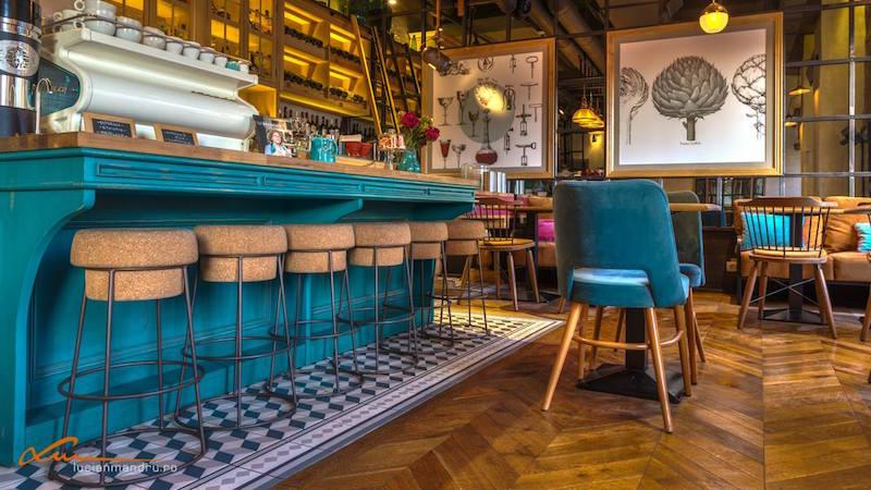 Bujole restaurant wooden furniture