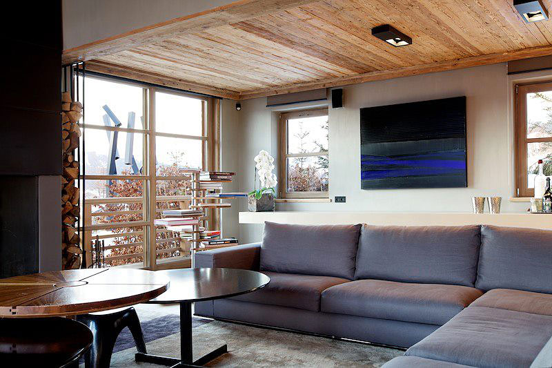 ... Chalet Cyanella Sectional Sofa