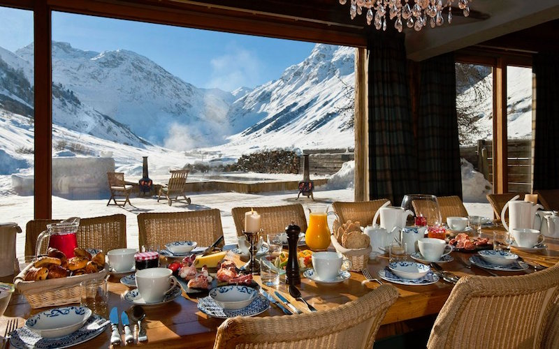 Chalet Le Chardon dining room view