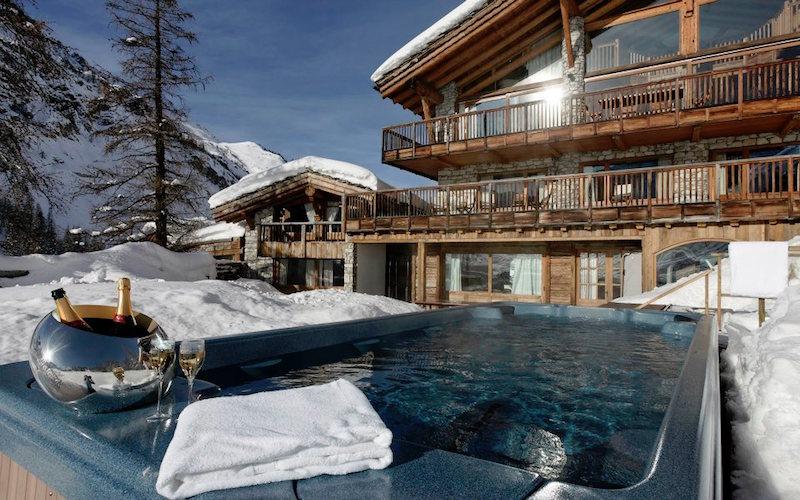 Chalet Le Chardon outdoor pool