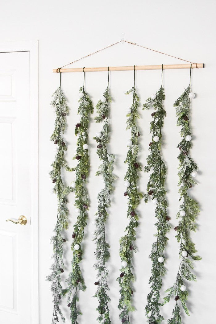 Christmas door Garland