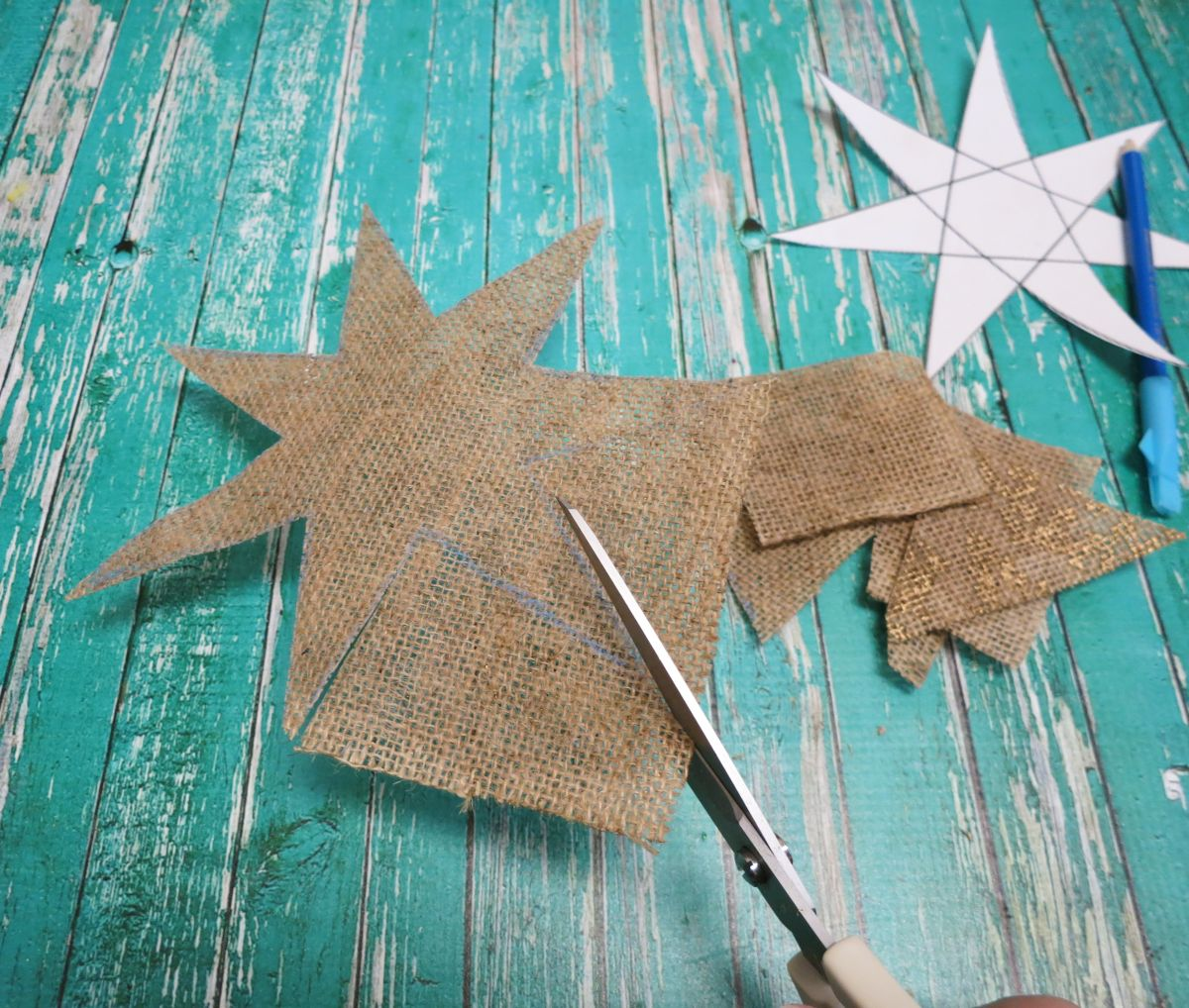 Cutting the star burlap