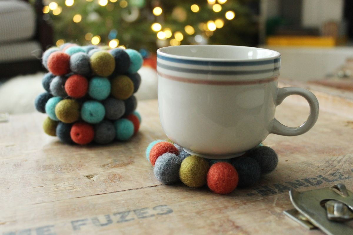 DIY Felt Ball Coasters Cozy