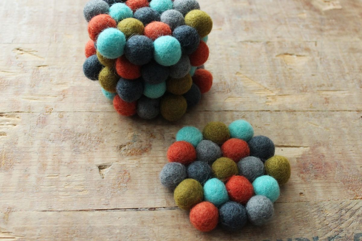 DIY Felt Ball Coasters - arrange the balls