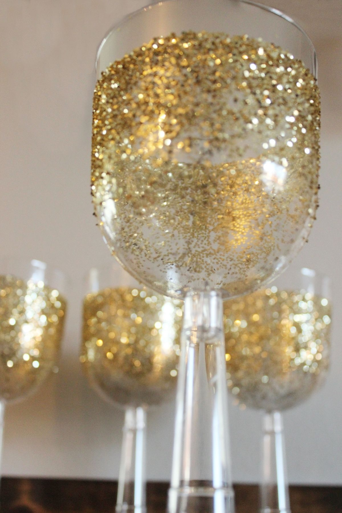 DIY Gilded Champagne Flutes for New Years