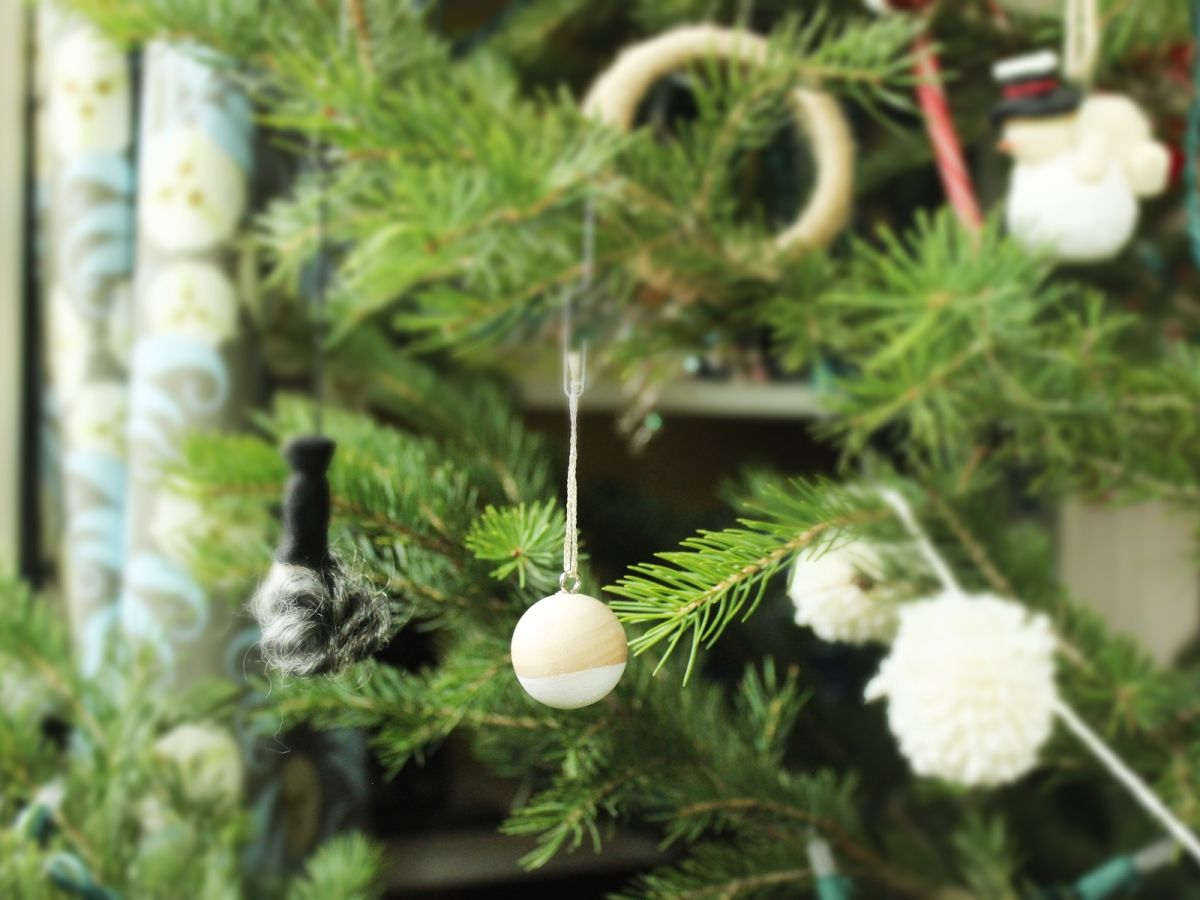 DIY Scandinavian Wooden Ornaments - Hang in Tree
