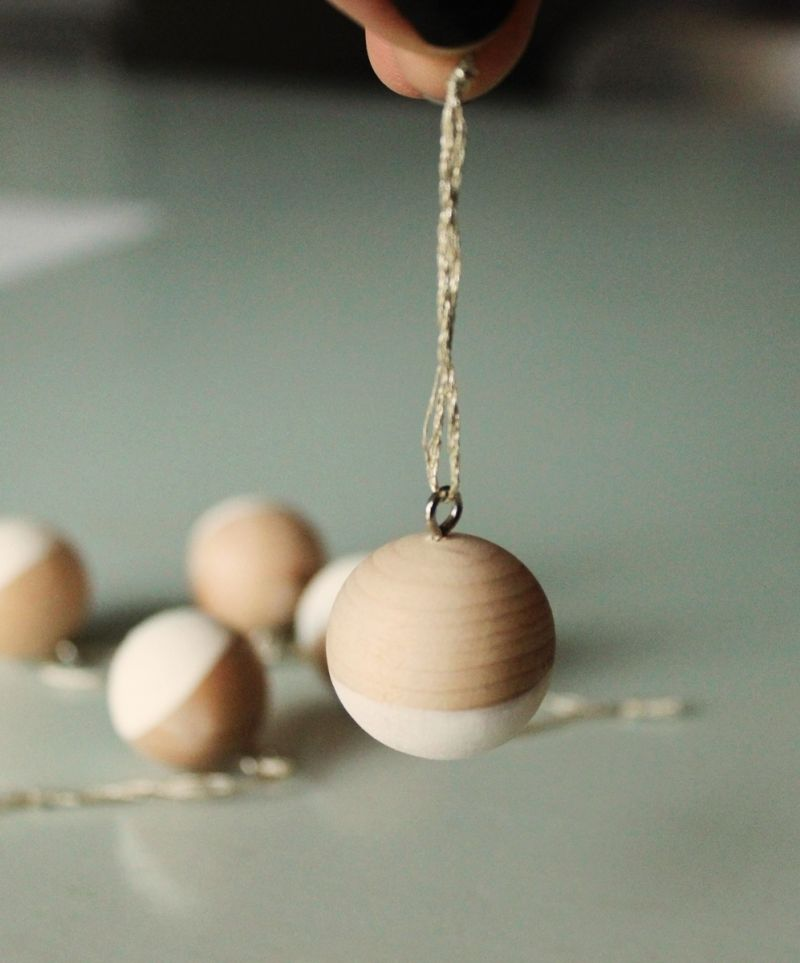 DIY Scandinavian Wooden Ornaments - hang