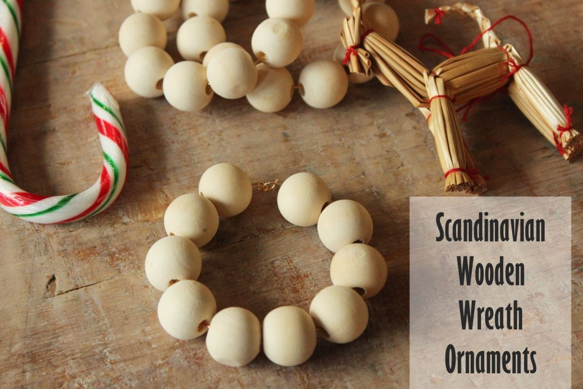 DIY Scandinavian Wooden Ornaments - mini wreath