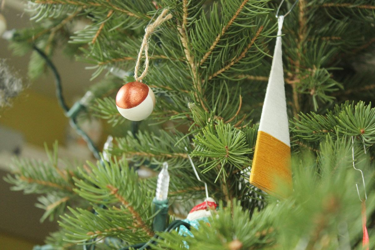 DIY String Tree Ornaments for Holiday