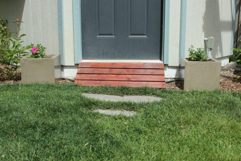 Front door concrete planters