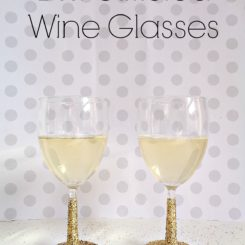 DIY Glitter Wine Glasses For New Year's Eve