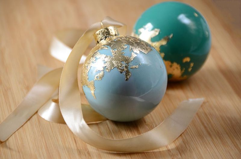 Gold Leaf Holiday Christmas Tree Ornaments