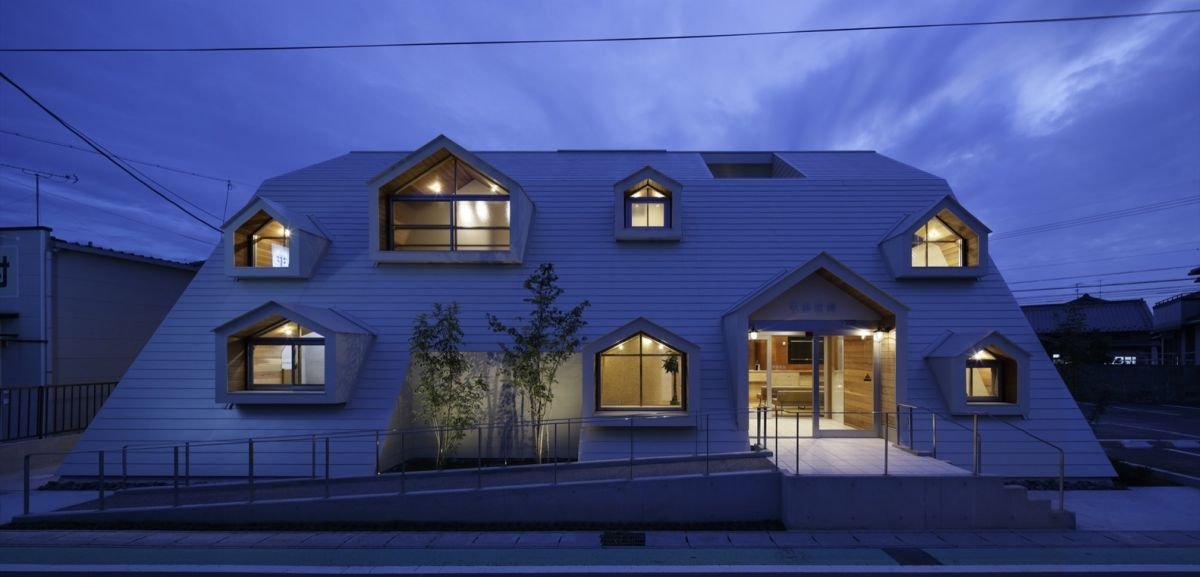 Hirano Clinic from TSC Architects By Night
