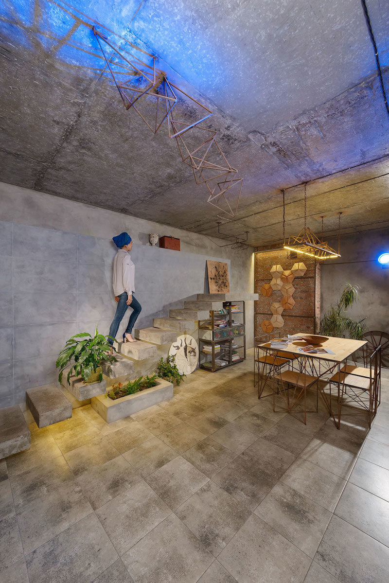 A House Inspired By The Persian Culture, Dedicated To The Sun