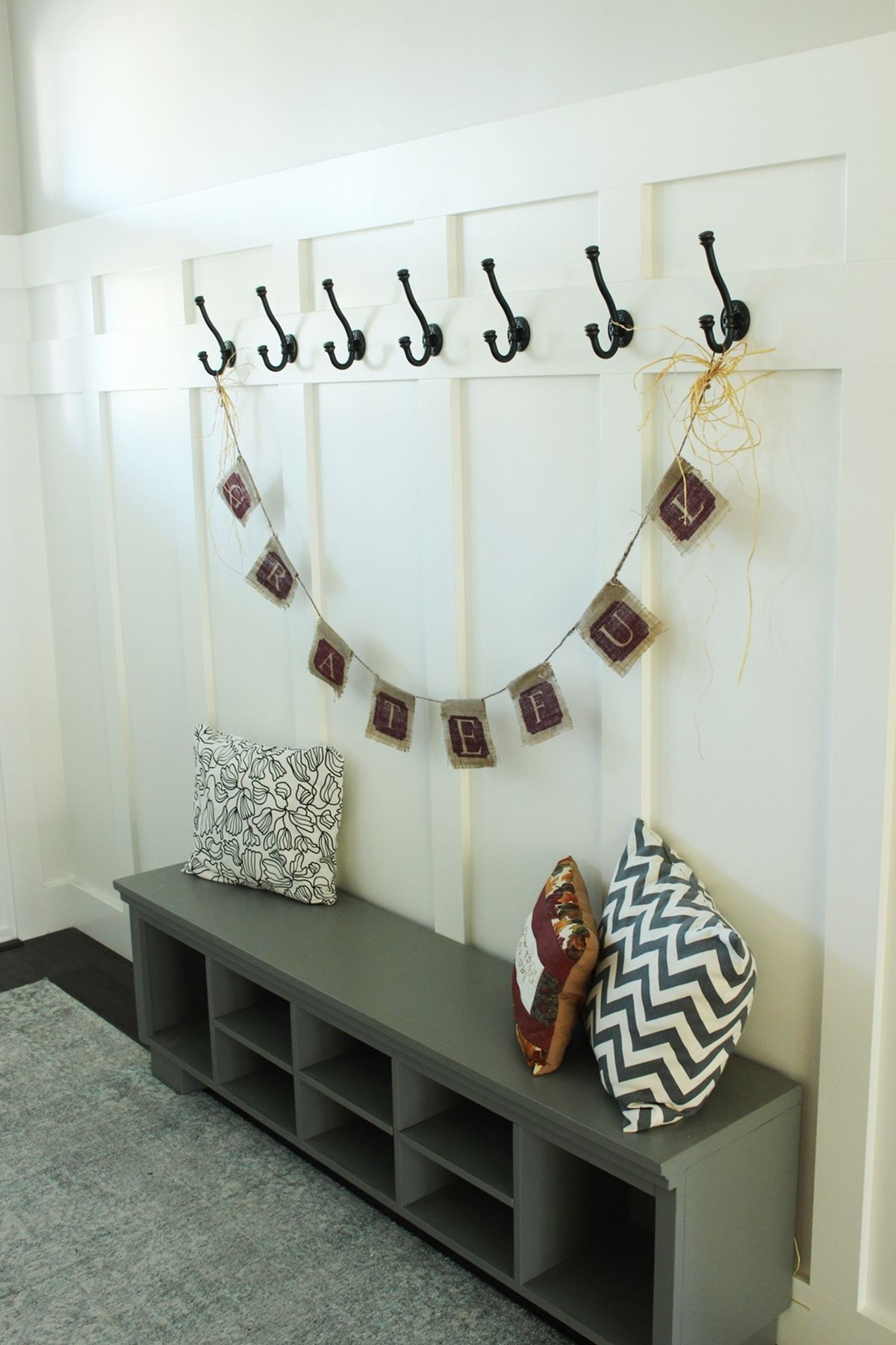 How to Decorate Entryway - bench