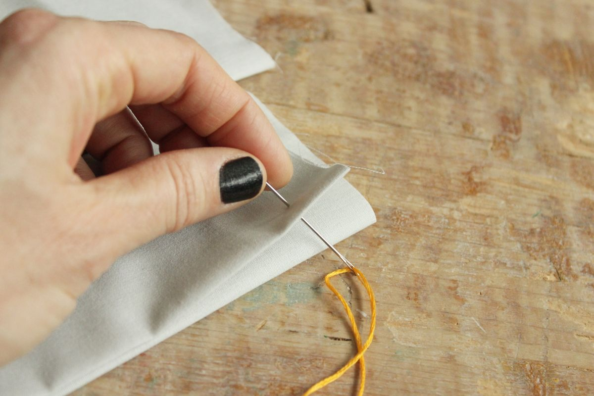 How to Sew - Blanket Stitch