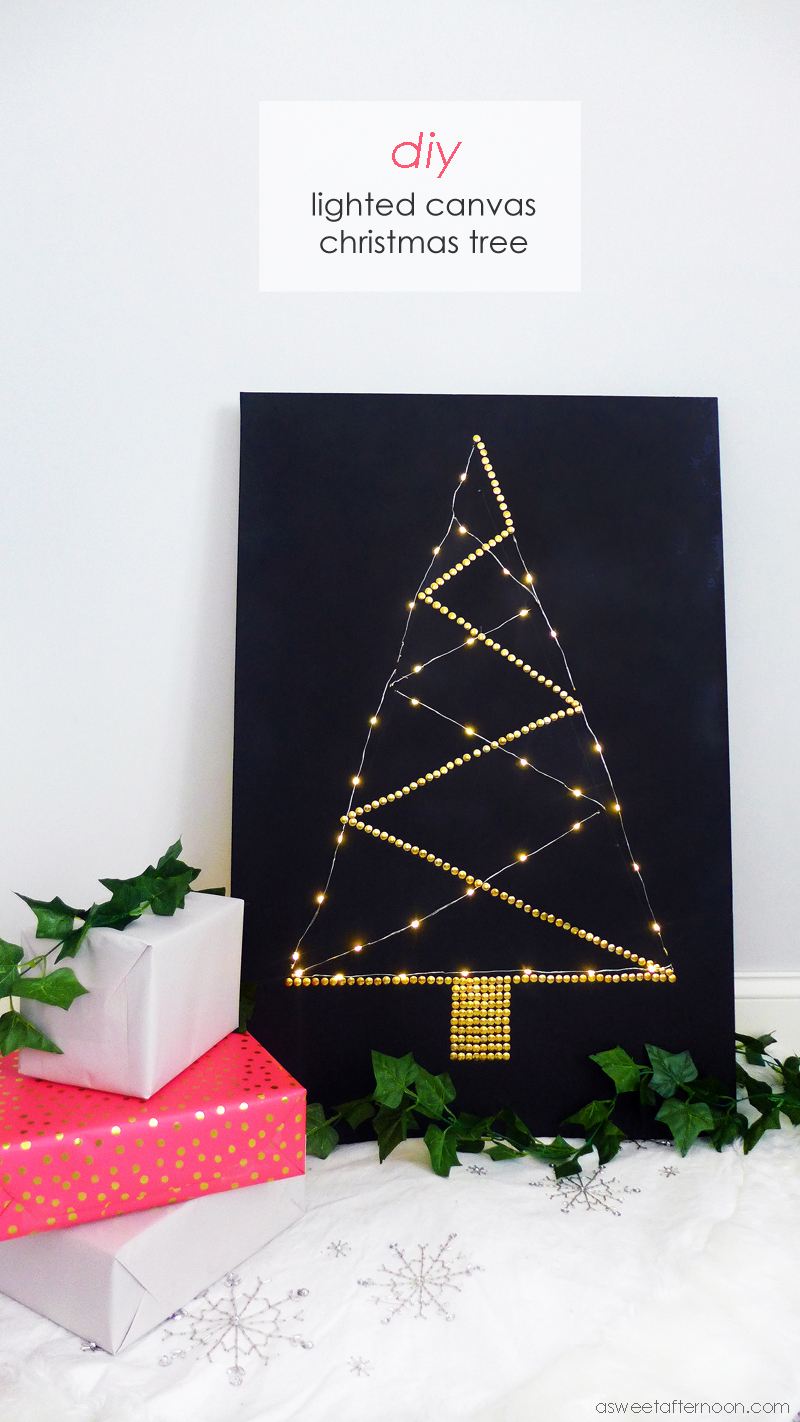 Lighted Canvas Christmas Tree