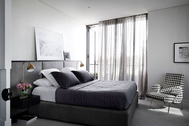 M Residence masted suite bed
