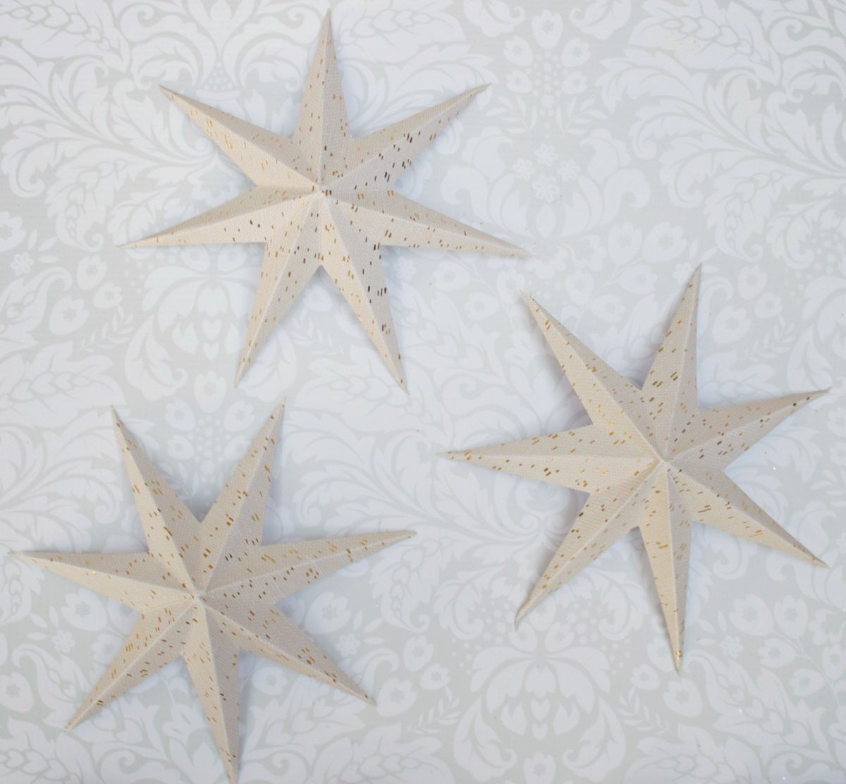 Making the paper stars