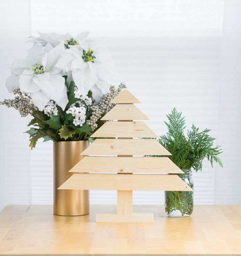 Mini Wood Modern Christmas Tree DIY