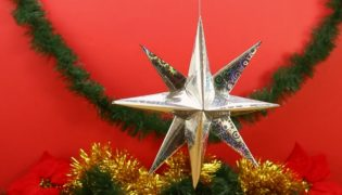 DIY a Wrapping Paper Star