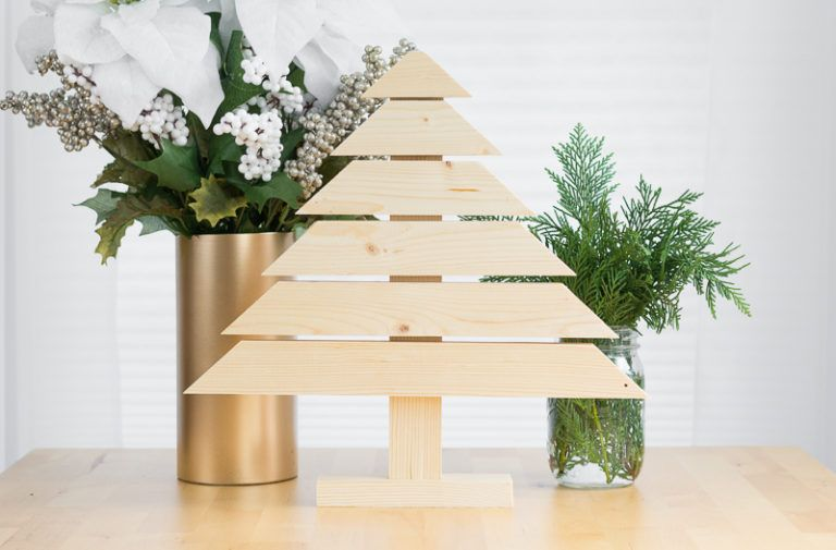 Modern Wood Christmas Tree DIY