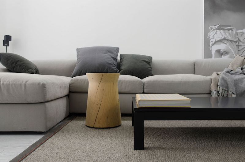 Monochrome Flat sectional and side table