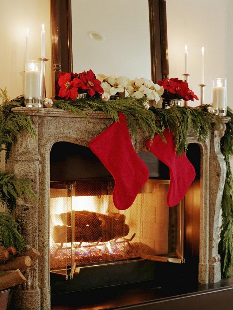 Poinsetta Christmas mantel